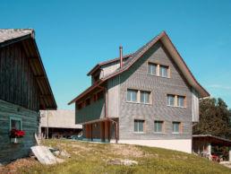 Ersatzbau Einfamilienhaus mit Einliegerwohnung